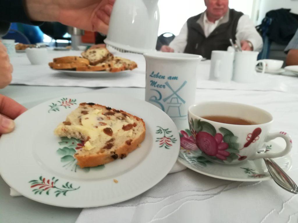 Ostfriesentee, Kaffee und Krintstut