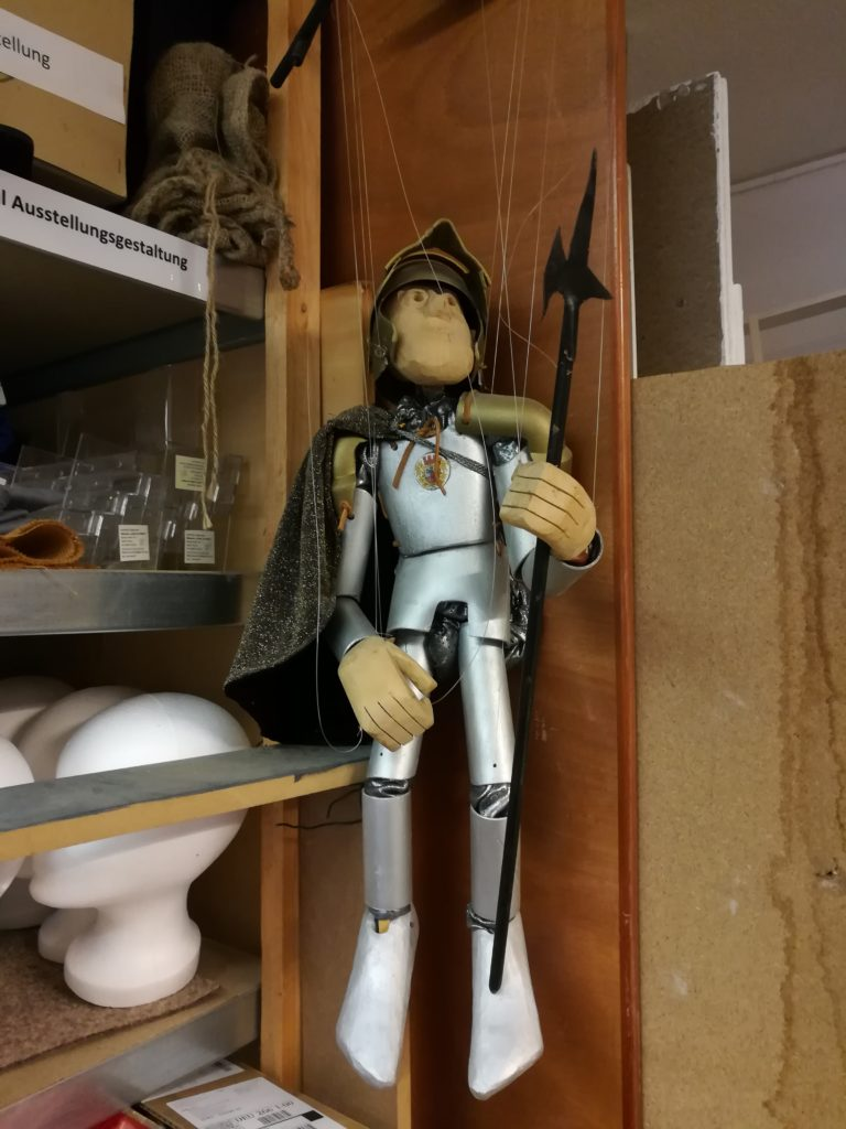 "Marionette im Depot des ""Museum Leben am Meer""."