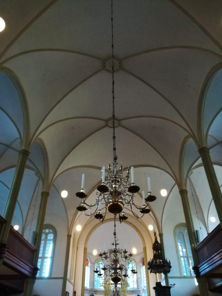 Kirchenschiff der St. Magnus Kirche in Esens.