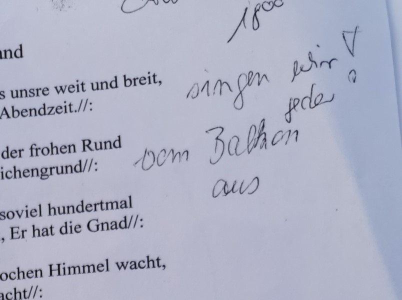 Textblatt und Notiz Balkonchor